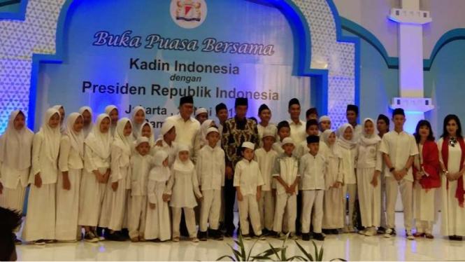 Presiden Joko Widodo buka bersama dengan Kadin Indonesia