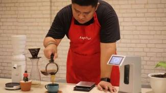 Rahmat Fatrianto, barista asal Kota Makassar