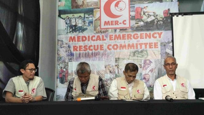 MER-C konferensi pers terkait penyerangan Dompet Dhuafa