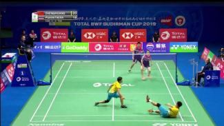 Zheng Siwei/Huang Yaqiong saat habisi Dechapol/Spasiree di Sudirman Cup 2019.