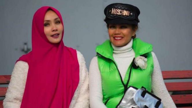 Dela Dewi dan Cheverly Amalia