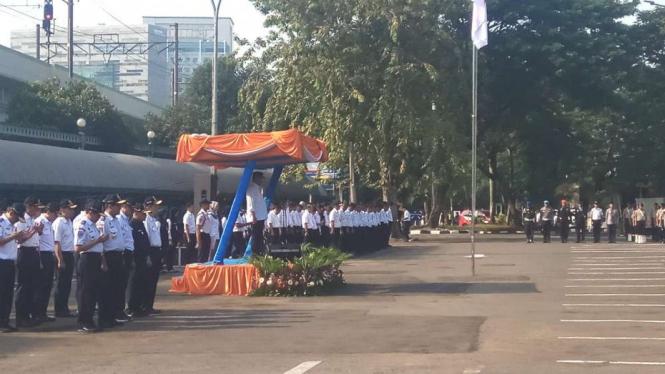 Menteri Perhubungan Budi Karya memimpin Apel kesiapan mudik 2019 di Gambir.