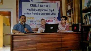 Konstitusi dan Demokrasi (KoDe) Inisiatif menyampaikan pemaparan gugatan pemilu