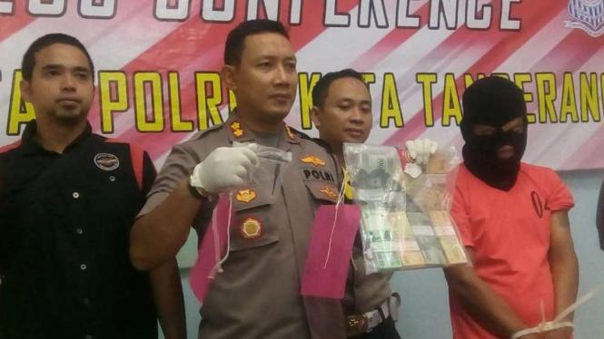 Pelaku pencurian diamankan Mapolres Tangerang.