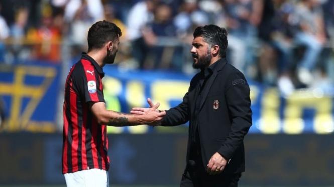 Pelatih AC Milan, Gennaro Gattuso (kanan)