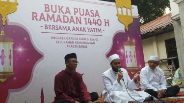 Syekh Ahmad 'Ishom Abdul Jayyid At-Tamadidalam tausiahnya, di Jakarta, malam ahad (25/5/2019).