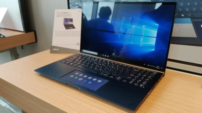 Asus ZenBook baru dengan ScreenPad 2.0