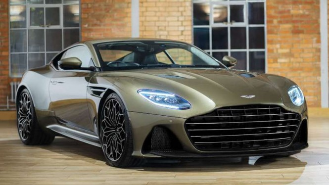 Aston Martin DBS Superleggera edisi On Her Majesty's Secret Service