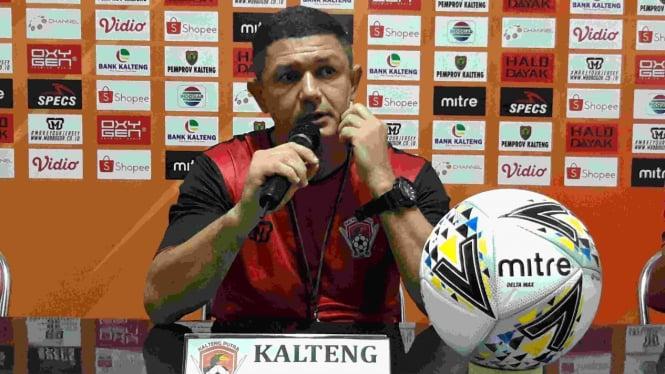 Pelatih Kalteng Putra, Gomes de Olievera