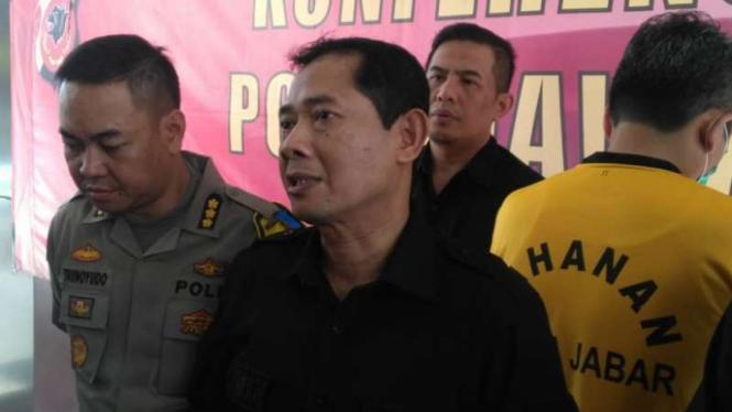 Direktur Reserse Kriminal Khusus Polda Jawa Barat Kombes Pol Samudi dalam konferensi pers di Bandung, Selasa, 28 Mei 2019.