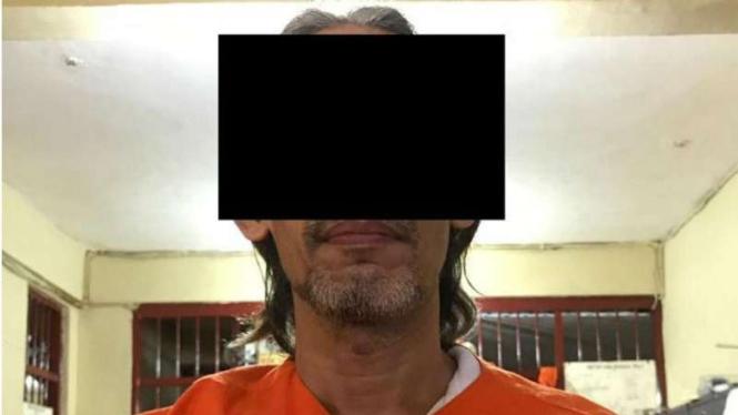 Polisi Bali ciduk mantan guru tersangka ujaran kebencian