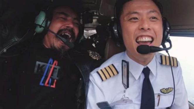 Captain Vincent dan Limbad dalam rekaman kanal YouTube