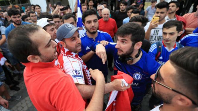Fans Chelsea dan Arsenal terlibat dalam keributan