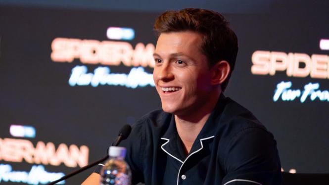 Tom Holland bicara soal nasib Spider-Man usai konflik Disney dan Sony Pictures.
