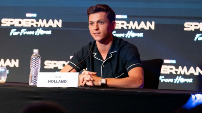 Tom Holland saat Konferensi Pers Spider-Man: Far from Home di Bali
