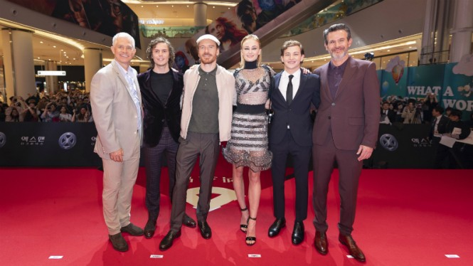 Produser, sutradara dan para cast X-Men: Dark Phoenix di Seoul, Korea Selatan.