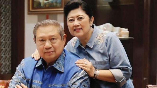Ani Yudhoyono semasa hidup bersama suaminya, Susilo Bambang Yudhoyono