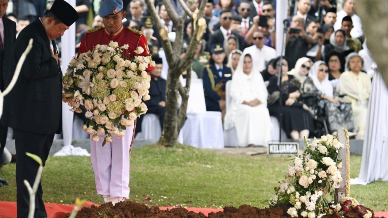 Pemakaman Ibu Ani Yudhoyono di TMP Kalibata