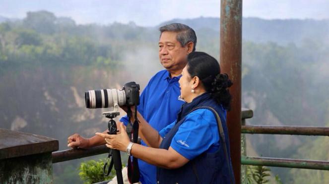 Ani Yudhoyon bersama SBY