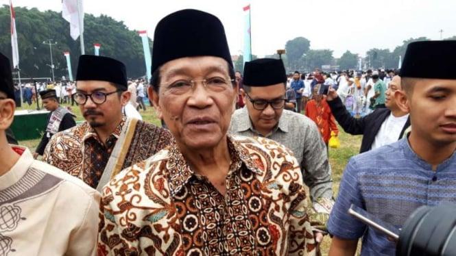 Raja Keraton Yogyakarta Sri Sultan HB X usai salat berjemaah Idul Fitri di Alun-alun Utara, Rabu, 5 Juni 2019.