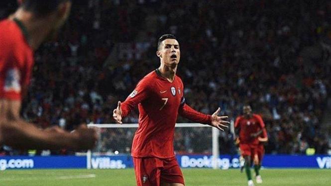 Cristiano Ronaldo cetak hattrick saat Portugal hempaskan Swiss 3-1