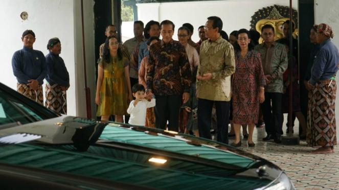 Lebaran di Yogya, Jokowi silaturahmi ke Sultan HB X