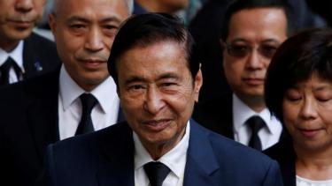 https://thumb.viva.co.id/media/frontend/thumbs3/2019/06/10/5cfdd75c3a4b9-usai-jack-ma-ada-satu-lagi-miliarder-china-yang-putuskan-untuk-pensiun_375_211.jpg