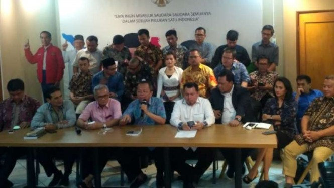 Tim Kampanye Nasional (TKN) Joko Widodo-Ma'ruf Amin menggelar konpers.