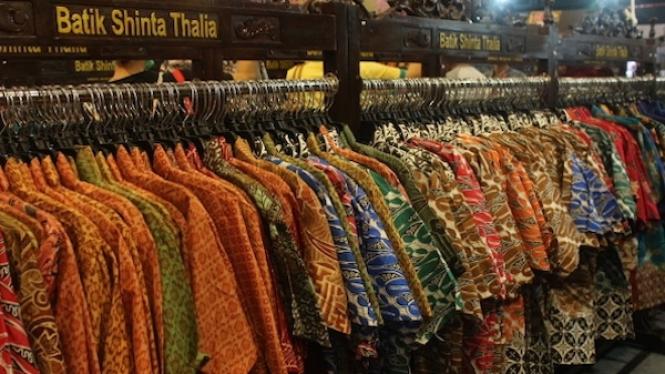 Pilihan batik yang tersedia di Jakarta Fair Kemayoran 2019.