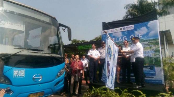 Peresmian bus dari Serpong ke Stasiun MRT Lebak Bulus, di Tangerang.