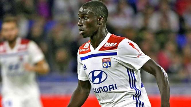 Ferland Mendy saat memperkuat Olympique Lyon.