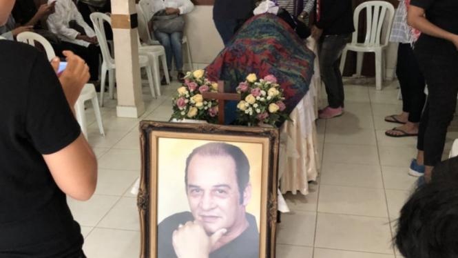 Robby Sugara meninggal dunia