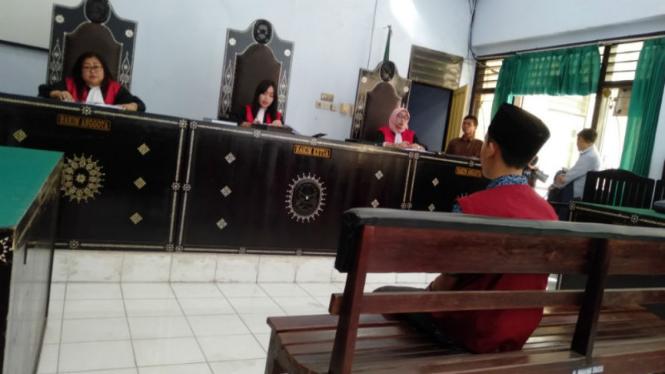 Tukang parkir penghina Jokowi divonis enam bulan