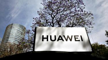 https://thumb.viva.co.id/media/frontend/thumbs3/2019/06/13/5d0229c470e7a-siap-saingi-android-hongmeng-milik-huawei-sudah-didaftarkan-di-9-negara_375_211.jpg