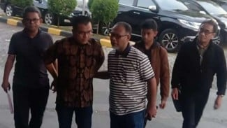 https://thumb.viva.co.id/media/frontend/thumbs3/2019/06/15/5d04d98deecf0-tim-kuasa-hukum-prabowo-sandiaga_325_183.jpg