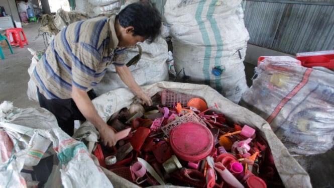 Indonesia Mengekspor Kembali 5 Kontainer Sampah ke Kanada