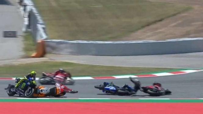 Empat pembalap papan atas terjatuh di MotoGP Catalunya