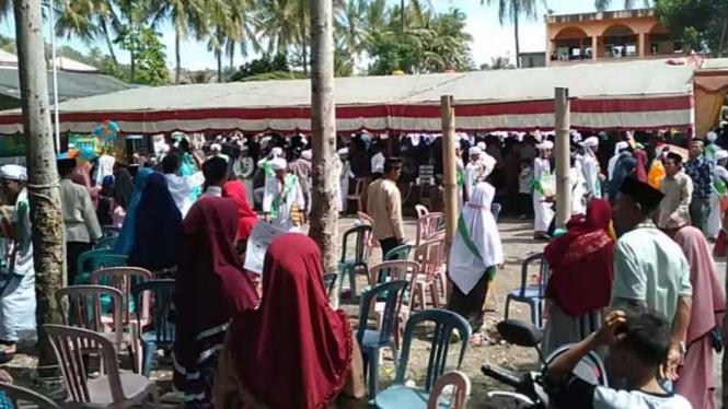 Suasana di pondok pesantren Al Madani, Lombok.