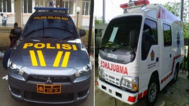 Mobil polisi dan ambulance