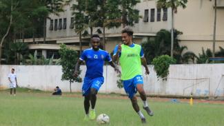 Latihan tim Arema FC.