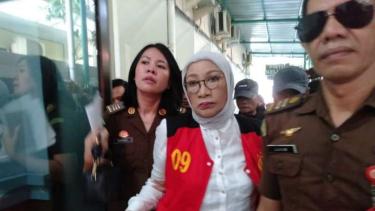Ratna Sarumpaet di Pengadilan Negeri Jakarta Selatan