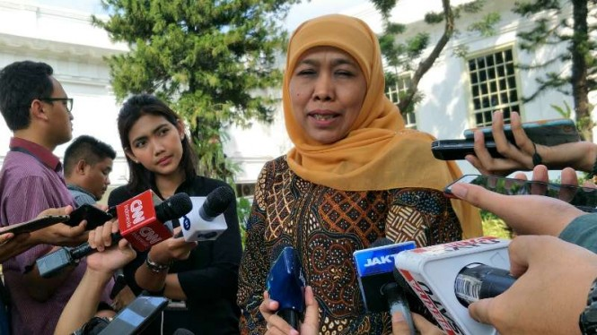 Gubernur Jawa Timur Khofifah Indar Parawansa usai bertemu Presiden Joko Widodo, di Istana Negara, Jakarta, Selasa, 18 Juni 2019.