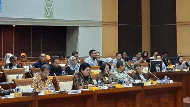 Rapat Komisi I DPR dengan Kementerian Komunikasi dan Informatika.