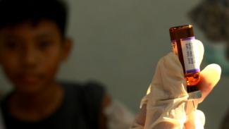 Dagang Obat, Wanita Ini Gaet Predikat Orang Terkaya. (FOTO: Muhammad Iqbal)