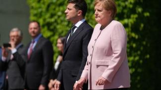 Merkel mengatakan dia mengalami dehidrasi.