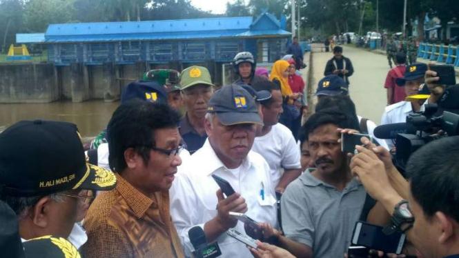 Menteri PUPR Basuki Hadimuljono di Bendungan Wawotobi, Konawe, Sulawesi Tenggara