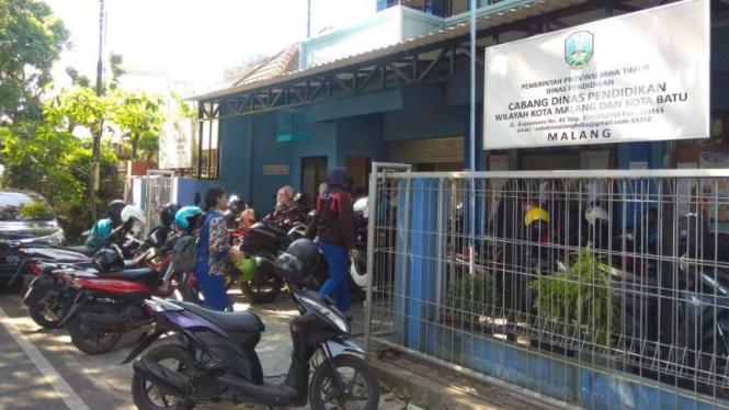 Kantor Cabang Dinas (Cabdin) Pendidikan Wilayah Kota Malang.