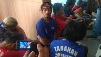 Bassist Boomerang saat dirilis polisi di Markas Polrestabes Surabaya, Jawa Timur, pada Jumat, 21 Juni 2019.