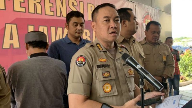 Kepala Bidang Hubungan Masyarakat Polda Jawa Barat Kombes Pol Trunoyudo dalam konferensi pers di kantornya di Bandung, Jumat, 21 Juni 2019.