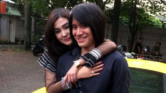Kevin Aprilio dan Vicy Melanie